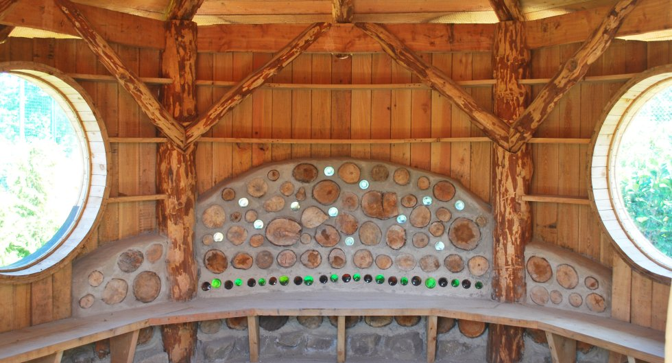 cordwood round house at columbia grange school