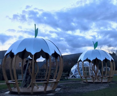 Double Apple Shelter installation 4