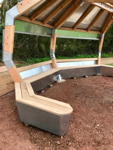 Spider Shelter - Bench detail