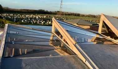 Kite roof glazing